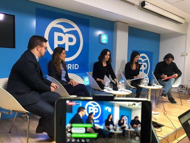 Encuentro de periodistas en la 'Sala Tuits' del PP de Madrid