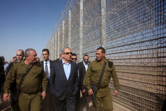 Benjamin Netanyahu en la frontera con Jordania