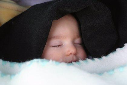 Los sacos de dormir para bebés reducen el riesgo de muerte súbita