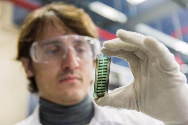 CSIC analiza la eficiencia de materiales orgánicos en dispositivos fotovoltaicos
