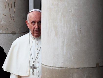 """El papa dice que la persona está destinada a """"amar y ser amada"""" e invita a los matrimonios a pasar """"del yo al nosotros"""""""