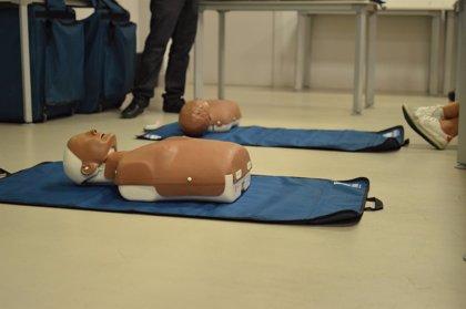 Sólo 1 de cada 10 personas que sufre una parada cardíaca fuera del hospital sobrevive: la importancia de la RCP