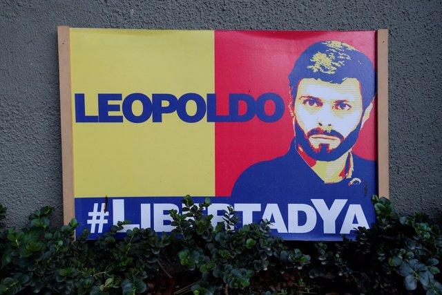 Mural en homenaje a Leopoldo López