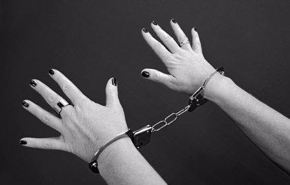 Detenida una mujer dominicana por golpear a su hijo de 7 años en Majadahonda (España)