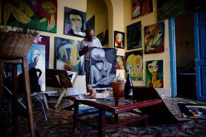 Artistas cubanos se movilizan contra un decreto que aumenta el control cultural en lugares públicos