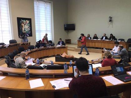 La oposición abandona de forma permanente la comisión de investigación de la sanidad, tras aprobar el PP su plan
