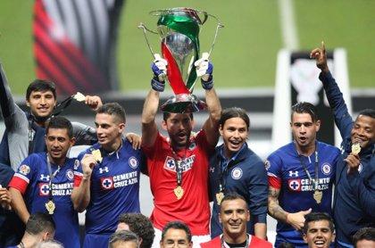 Cruz Azul gana la Copa en México cinco años después