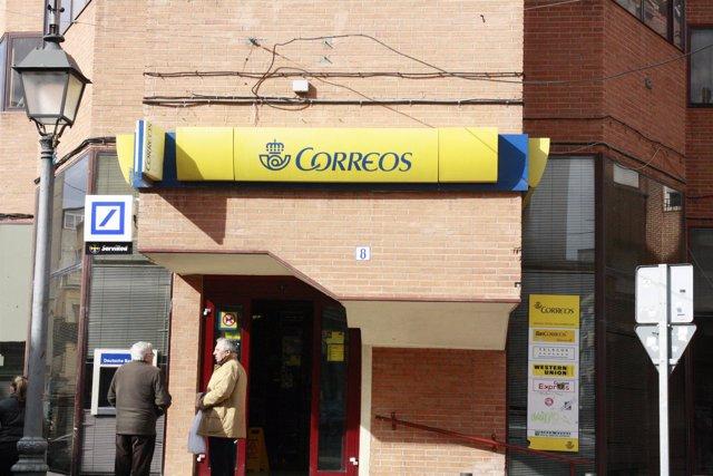 Correos, fachada