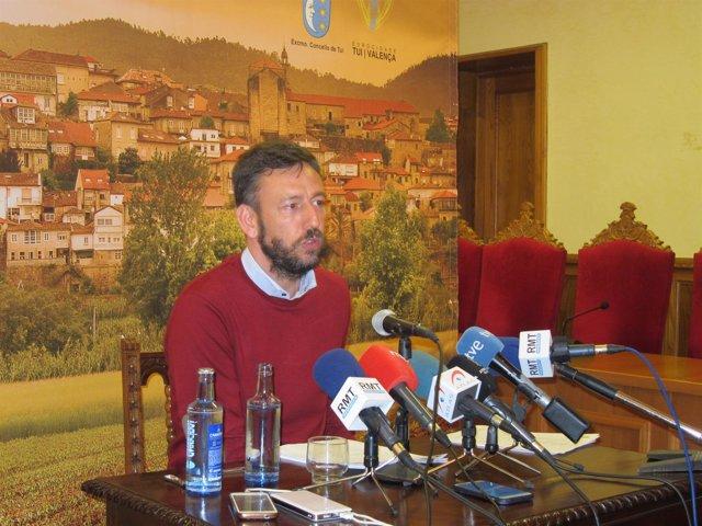 Carlos Vázquez Padín, Alcalde De Tui
