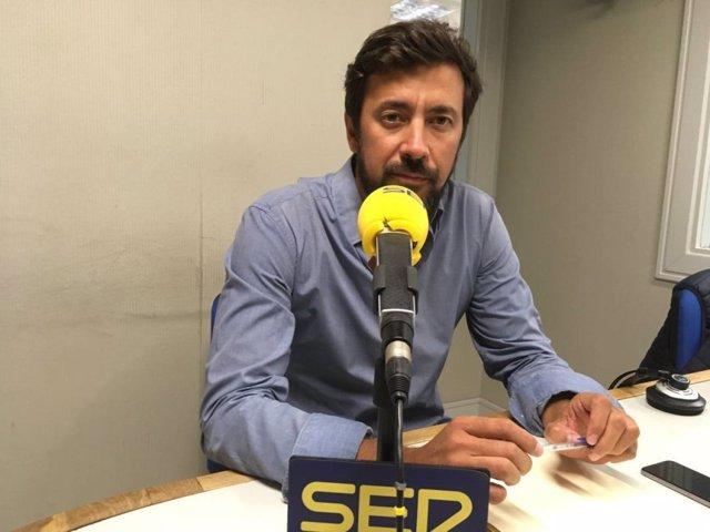 Antón Gómez-Reino, en una entrevista para la Cadena Ser