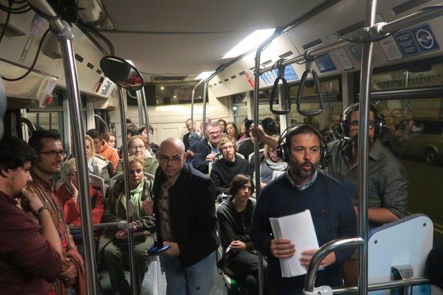'Font de Misteris', de IB3 Ràdio, emite su programa en directo a bordo de un autobús de la EMT de Palma