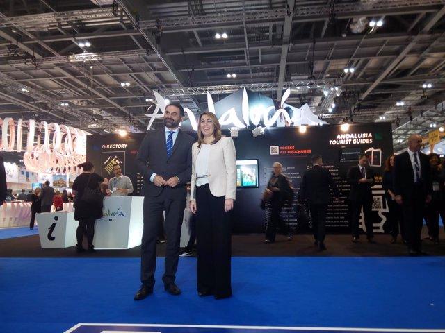 Susana Díaz junto al consejero de Turismo en la World Travel Market de Londres