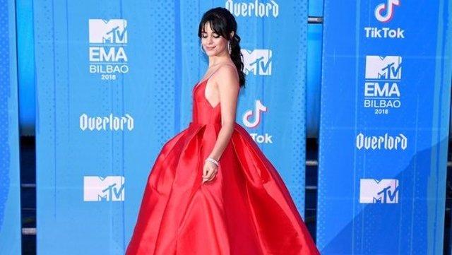 Camila Cabello en la Red Carpet de la MTV