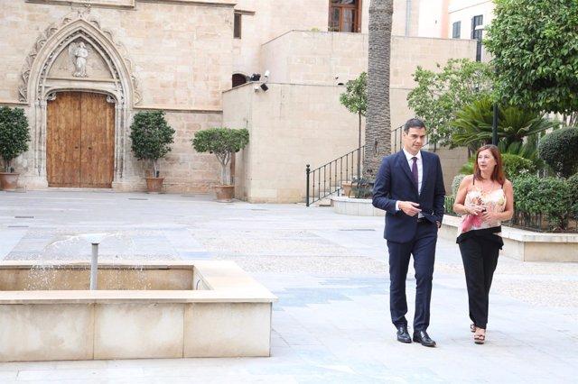 Reunión entre Pedro Sánchez y Francina Armengol en Consolat de Mar