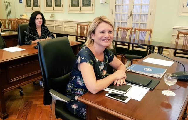 La diputada del PP Núria Riera