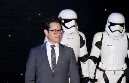 """J.J. Abrams """"corregirá el rumbo"""" de Star Wars con el Episodio IX"""