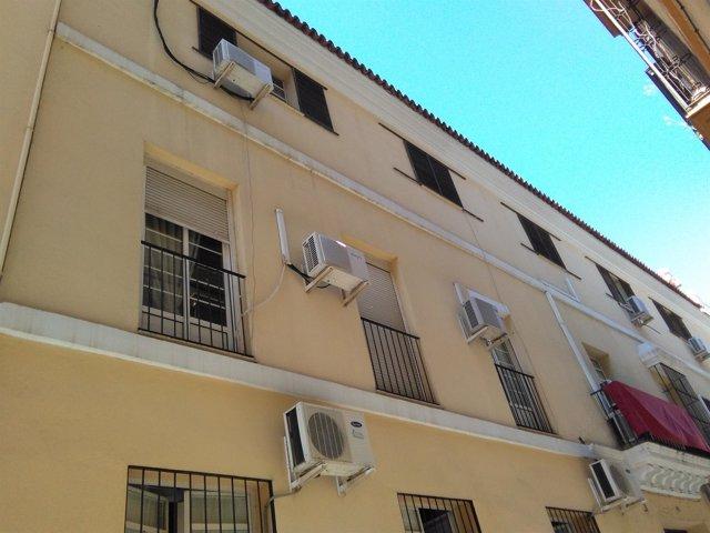 Viviendas de la Junta de Andalucía en la calle Santiago de Sevilla