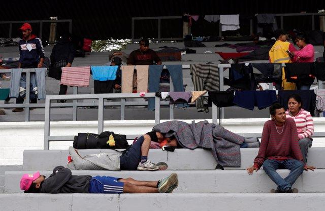 Migrants from Honduras, part of the caravan traveling from Central America en ro