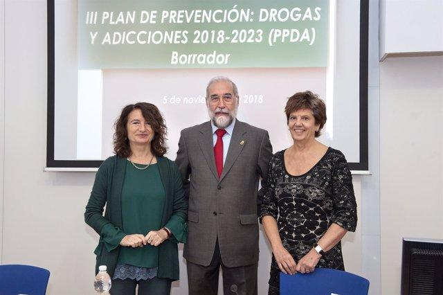Pérez, Domínguez y Echauri en la presentación del plan