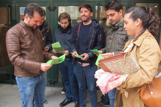 Tudanca participa en la campaña 'Stop tasazo' en Valladolid