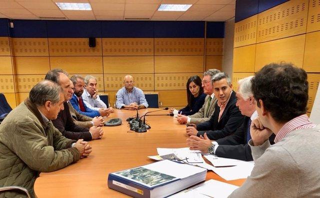 Reunión del delegado del Gobierno, Pablo Zuloaga, con los alcaldes
