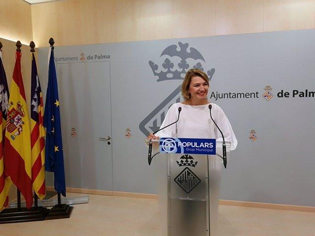 La portavoz del PP, Margalida Durán, en rueda de prensa