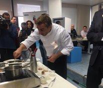 Jordi Roca cocinando