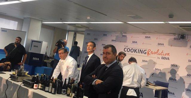 Joan y Josep Roca con el director territorial del BBVA Canarias