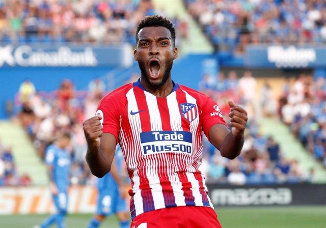 Lemar celebra un doblete con el Atlético de Madrid