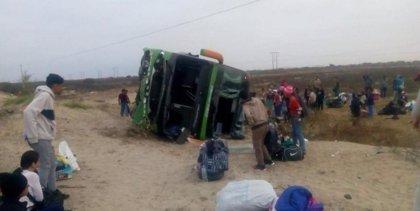 Al menos 18 muertos y 39 heridos en un accidente de autobús en Perú
