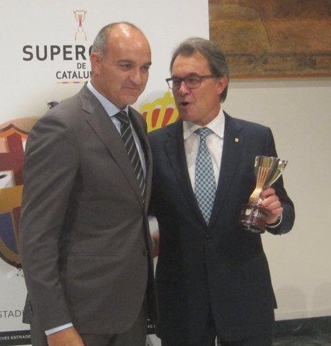 Andreu Subies (pte.Federació Catalana Futbol) Artur Mas (pte.Generalitat