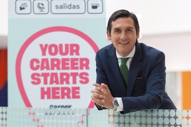 Roberto Cabezas, director de Career Services
