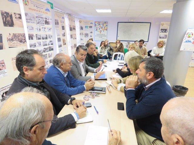 Sanz y Saldaña reunidos con representates vecinales de Jerez