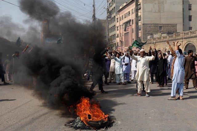 Protesta de seguidores del TLP en Karachi contra la absolución de Asia Bibi