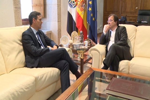 Reunión de Pedro Sánchez y Vara en Mérida , imagen de archivo
