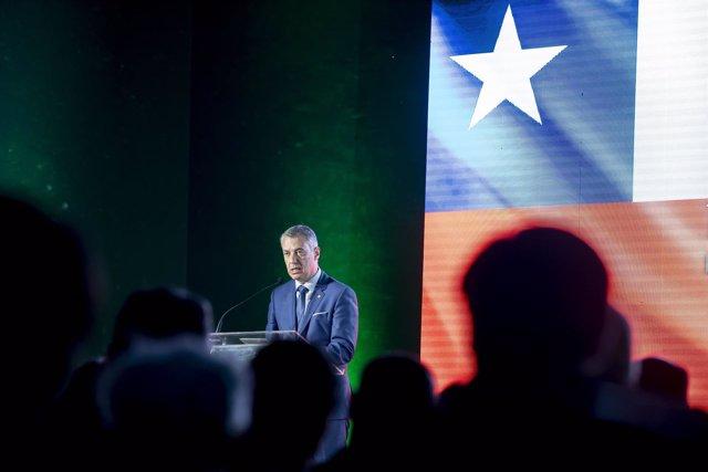 Acto del lehendakari en Chile