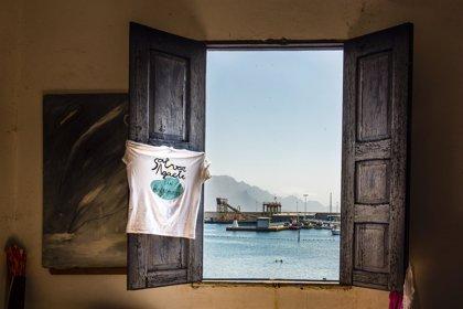 Un total de 120 fotógrafos suscriben un manifiesto contra la ampliación del muelle de Agaete (Gran Canaria)