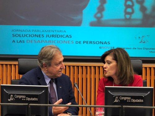 Paco Lobatón y Ana Botella en el Congreso
