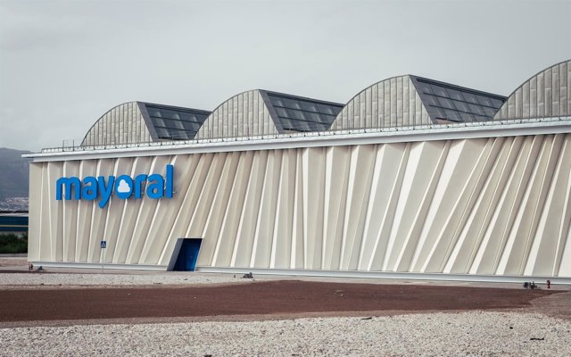 Antigua Intelhorce fábrica de Mayoral System Arquitectura rehabilitación