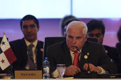 El expresidente panameño Martinelli regresa a la cárcel tras recibir el alta