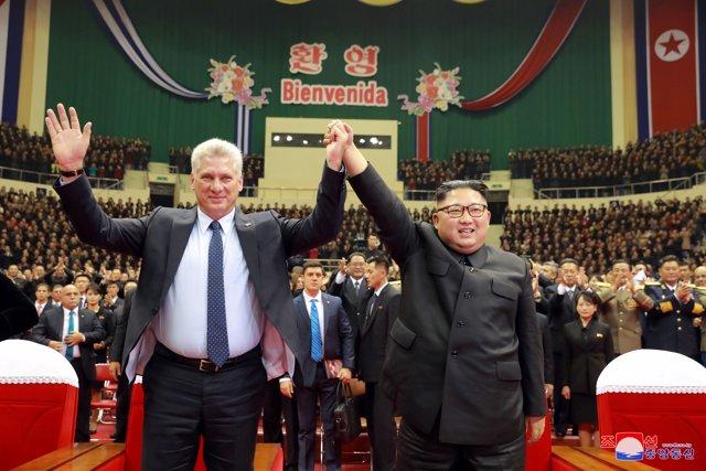 El líder norcoreano Kim Jong Un y el presidente cubano Miguel Díaz-Canel
