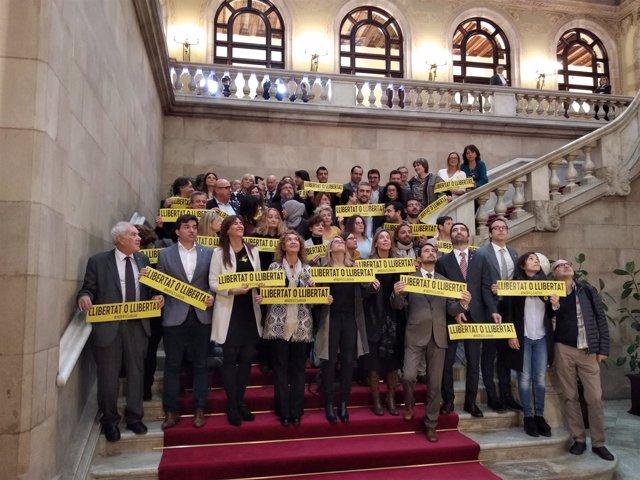 Varios consellers y diputados de JxCat, ERC y los comuns en el Parlament