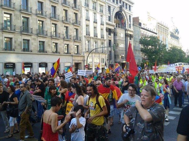 Manifestación a favor de un referéndum monarquía o república