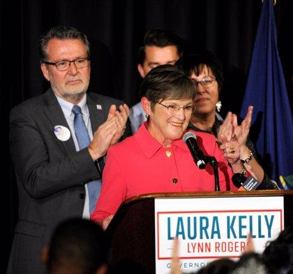 Los demócratas ganan en las elecciones a gobernador en Michigan y Kansas pero pierden en Florida