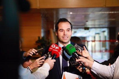 """Aguado dice que los """"bandazos"""" del TS sobre hipotecas afectan a su imagen y que ahora es momento del cambio legislativo"""