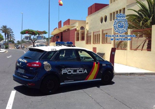 """[Grupocanarias] Nota De Prensa """"La Policía Nacional Detiene A Dos Personas Por D"""