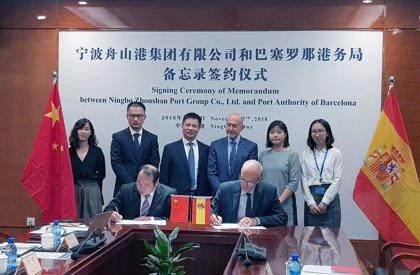 El Puerto de Barcelona firma un memorando de colaboración con el puerto chino Ningbo Zhoushan