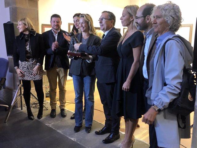 Entrega del premio a Oldie Rodríguez de la Fuente