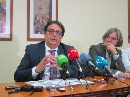 El acelerador líneal del Hospital Universitario de Badajoz podría entrar en funcionamiento en diciembre, según Vergeles