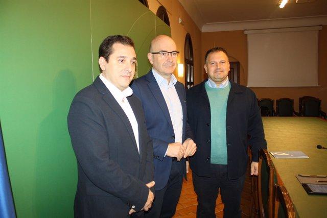 Carmona, entre López (izda) y Perea, presentan la 'Jam Today'
